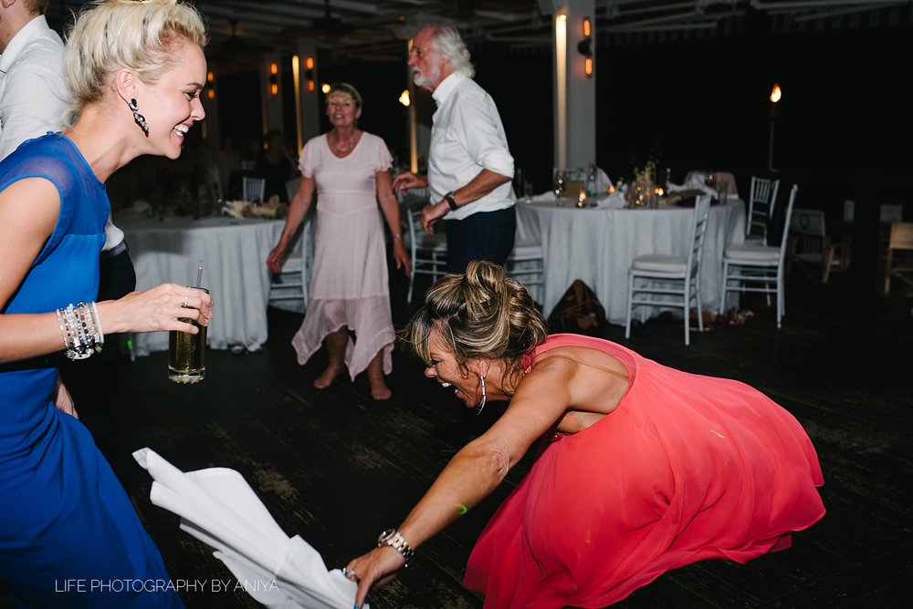 barbados-wedding-photography-Lonestar-Restaurant-km-243.png