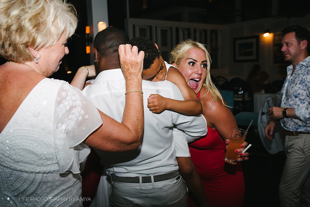 barbados-wedding-photography-Lonestar-Restaurant-km-252.png