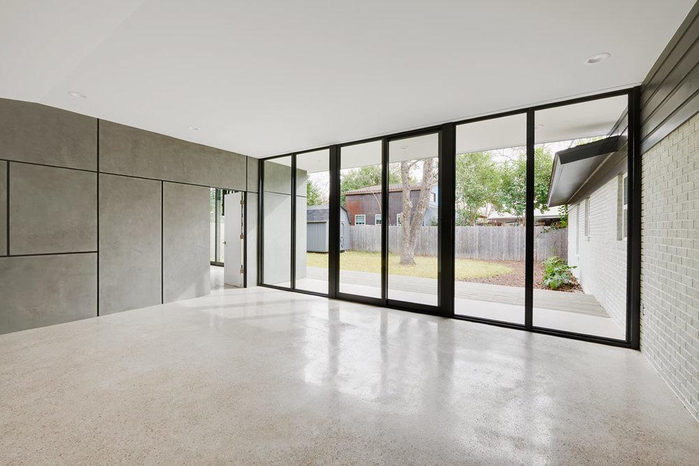 interior-den-4_1024px-low-res.jpg