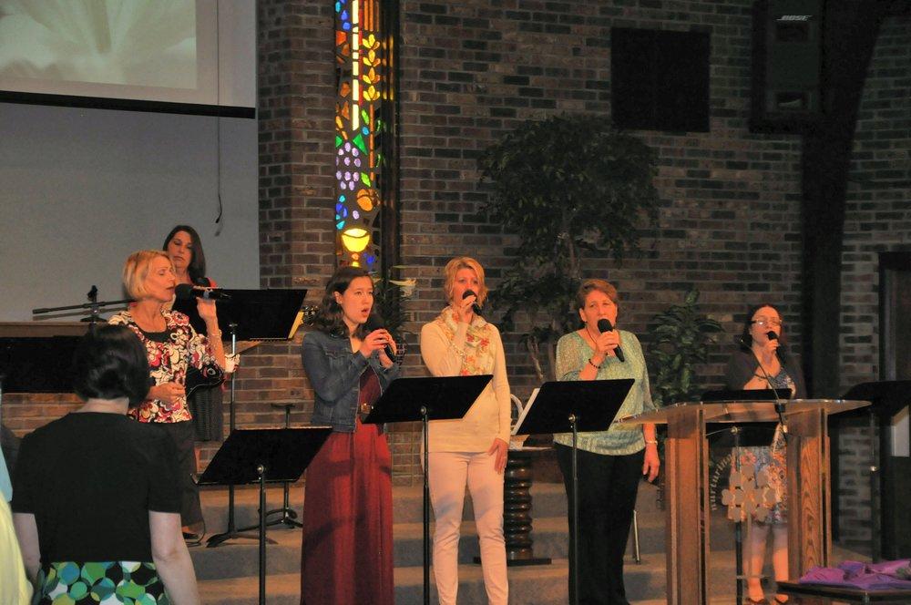 worship-2-southwest-michigan-church-woodland-shores.JPG