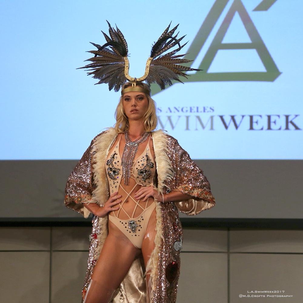 Model: Olga Piskunova