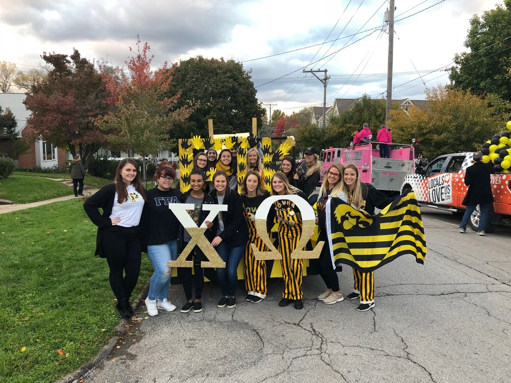 chi-omega-gamma-rho-lambda-parade-float.jpeg