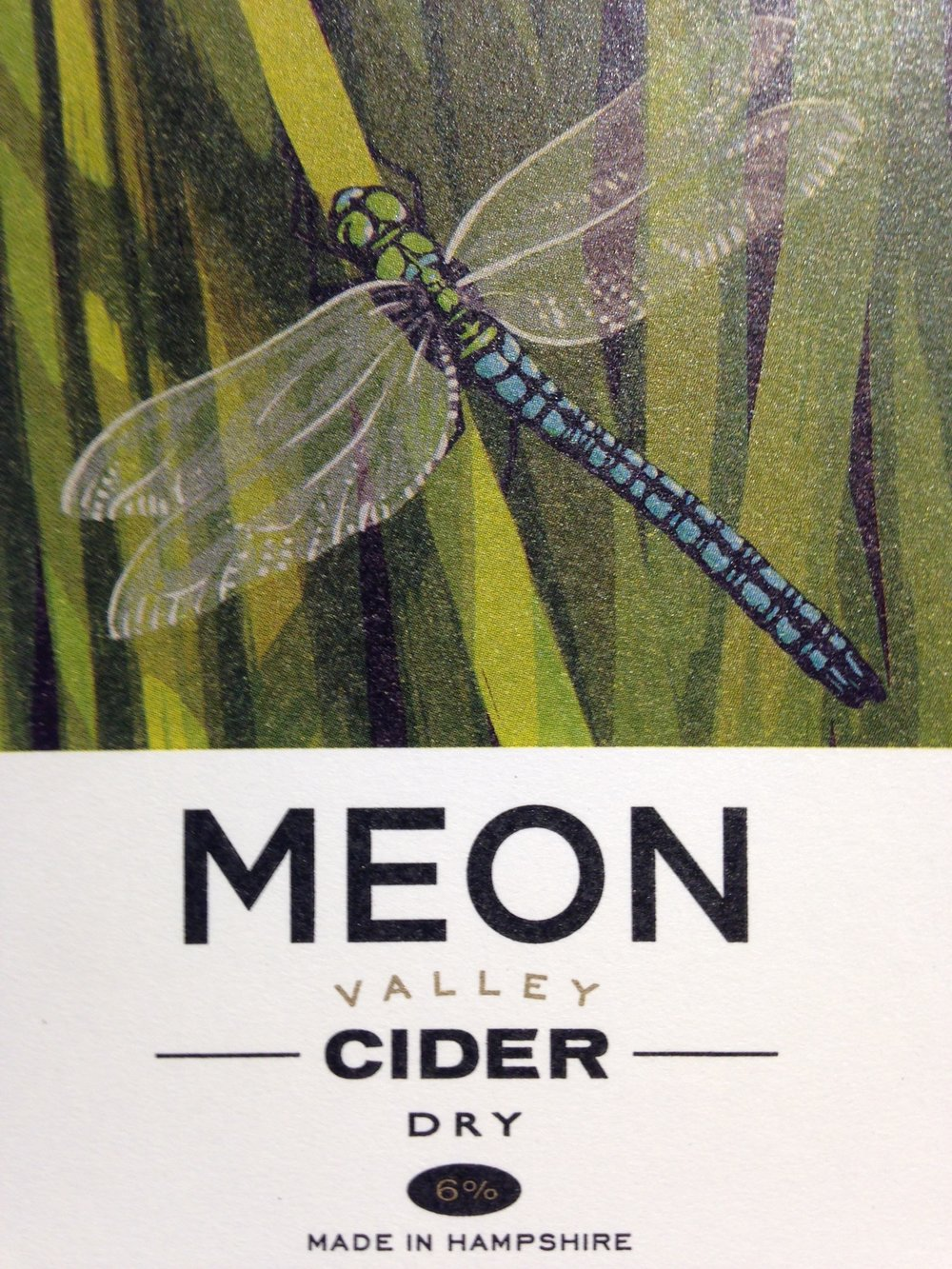 Dragonfly - 6% ABV DryHoney coloured, wildflower nose with almond notes, hints of bittersweet and a lingering dry finish. Using locally sourced Hampshire and Sussex apples and bittersweets from the West CountryWinner of the CAMRA South of England Cider & Perry Competition 2018Cider of the Festival CAMRA Southampton 2018AvailableSparkling in 500ml bottles (Cases of 12)Still in 20 Litre Bag in Boxes