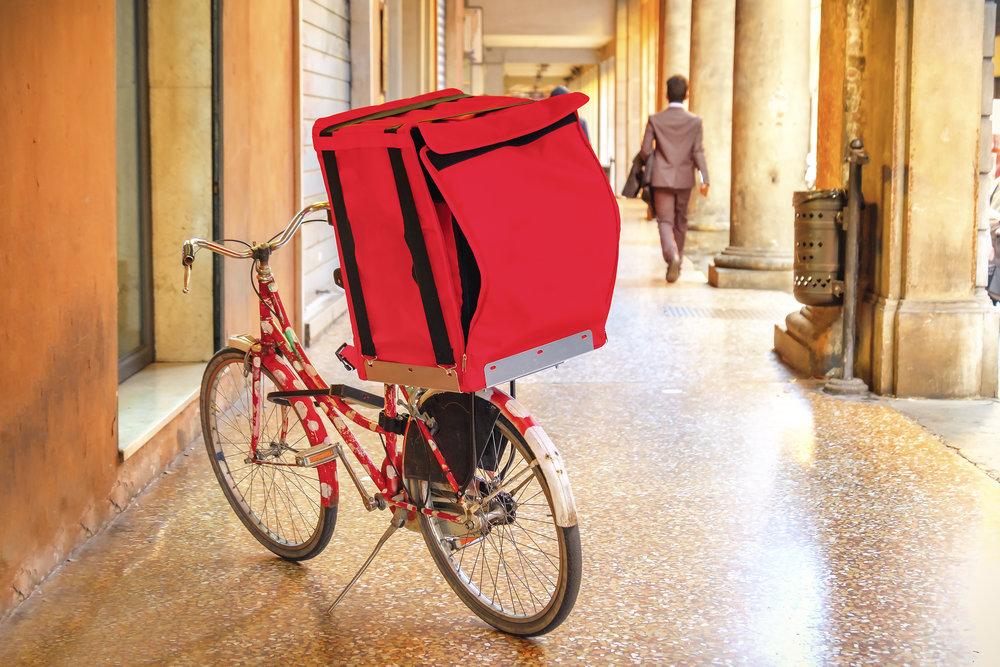 lieferfahrer-lieferdienst-flexibler-studentenjob-mit-fahrrad-fuer-restaurant.jpg