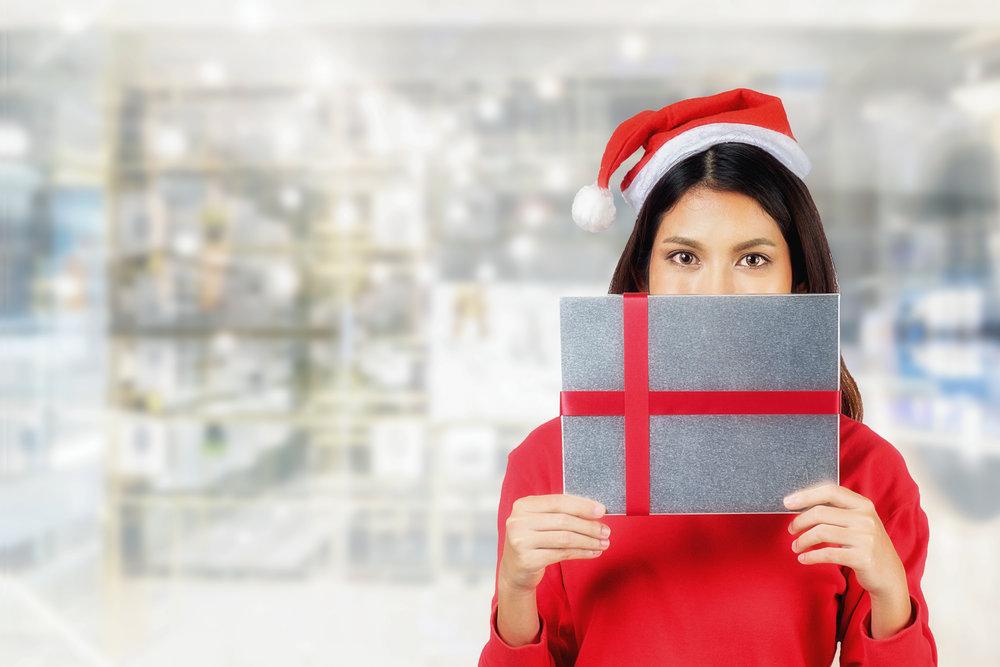 geschenkverpackung-geschenkversand-saisonarbeit-weihnachten.jpg