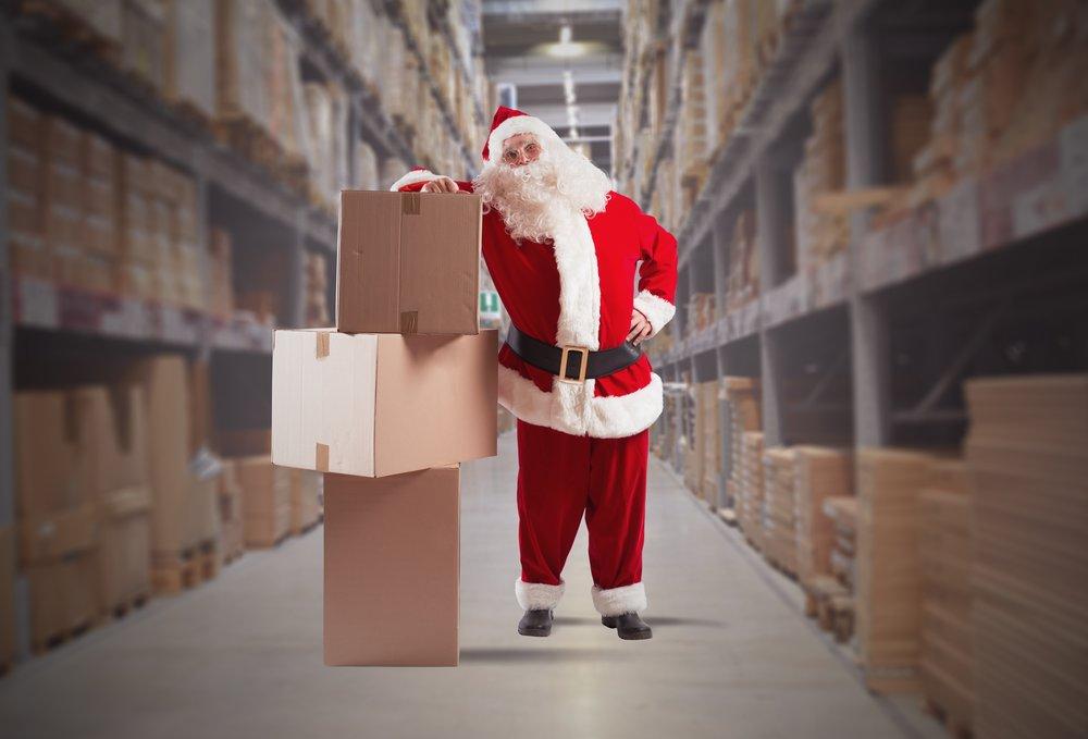 weihnachtsmann-nikolaus-weihnachtsgeschaeft-aushilfe-lagerhelfer-versand-nebenjobs.jpg