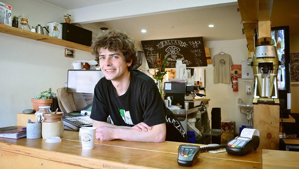 verkaufshilfe-einzelhandel-laden-cafe.jpg