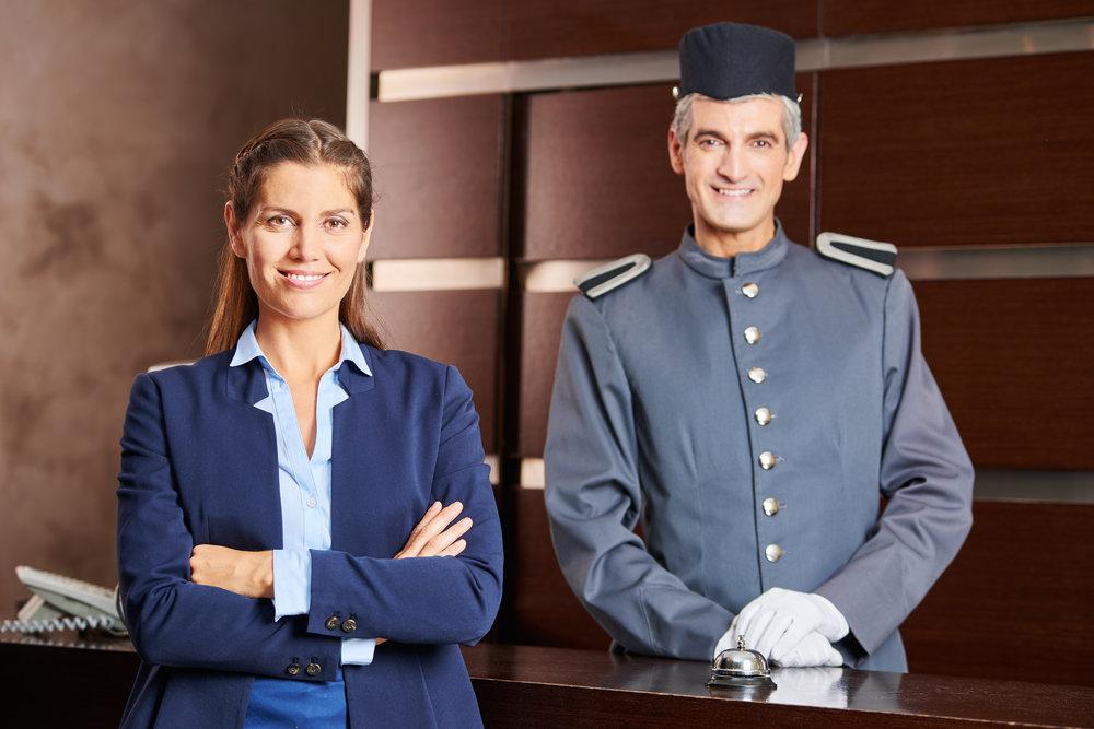 page-hotelpage-hotelboy-hoteldiener-rezeptionisten-rezeptionsmitarbeiter-night-audit-portier-im-hotel-berlin-aushilfe.jpg