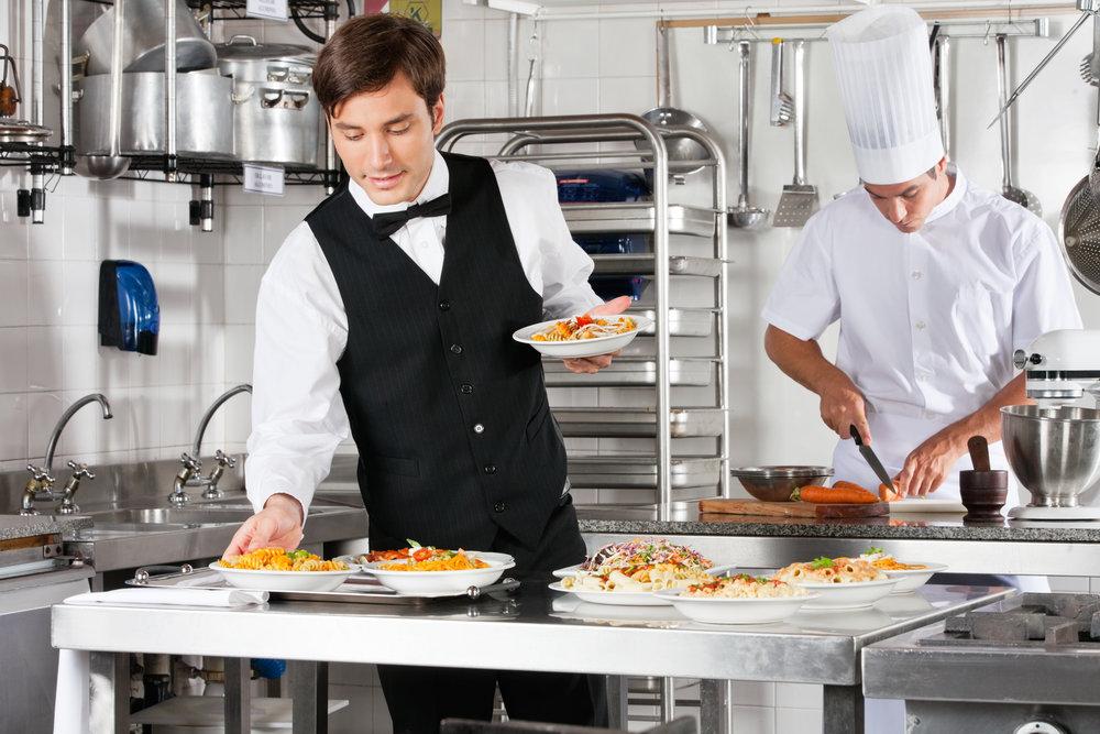 Service und Küche