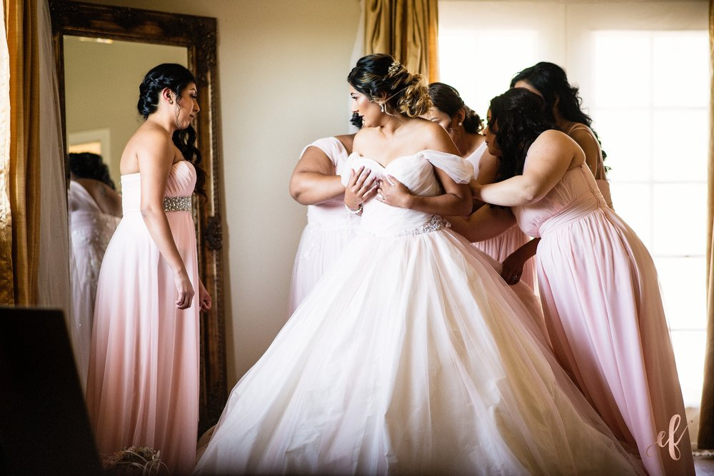 San Diego Wedding Photographer | Temecula Coach House | bridal prep