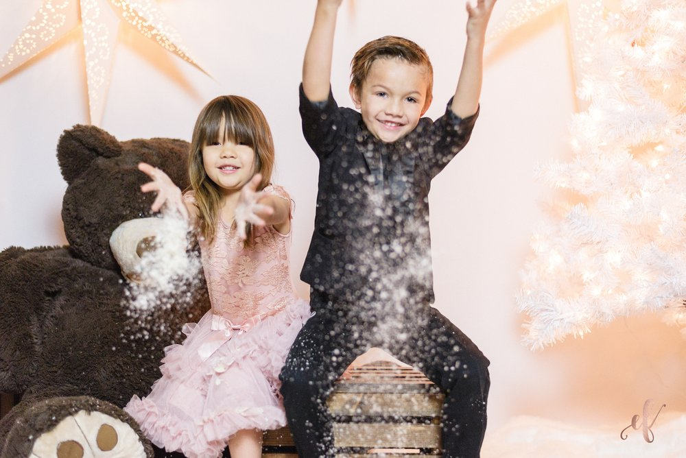 San Diego Portrait Photographer | Studio | Christmas | Snow | Ernie & Fiona Photography
