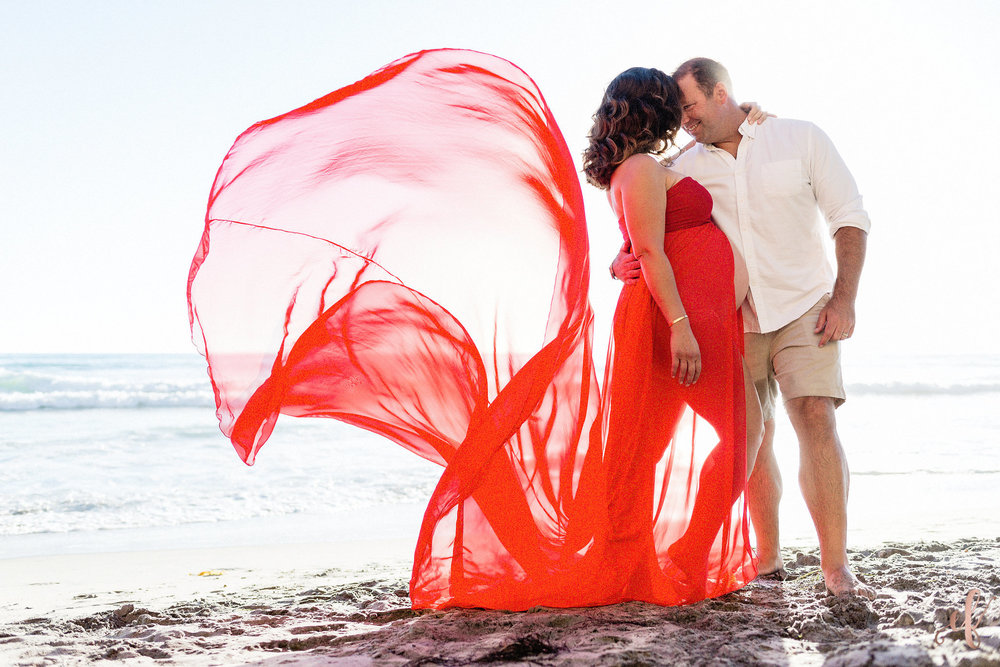 San Diego Maternity Photography | Beach Photo Shoot | Ernie & Fiona Photography