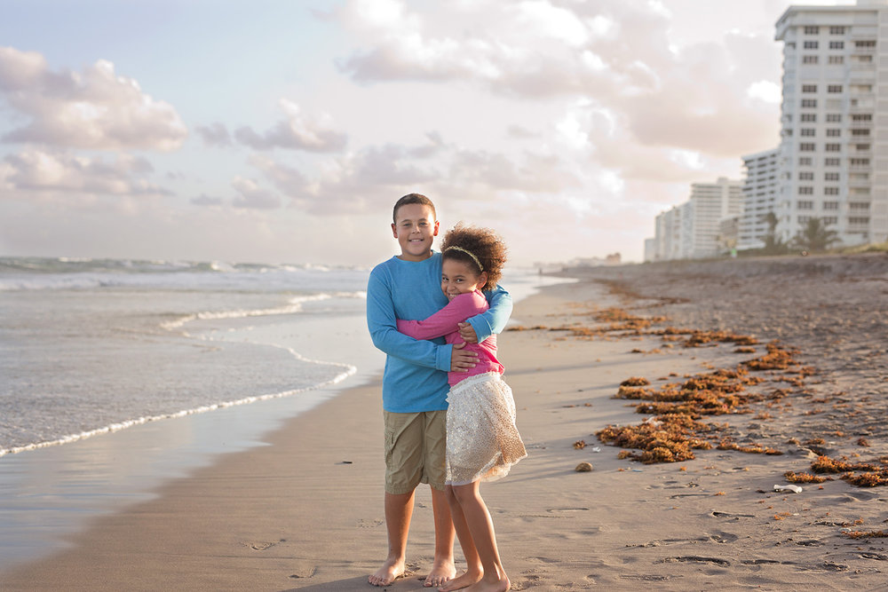 alissa-delucca-photography-boca-raton-photographer-sibling-session-souht-inlet-beach.jpg