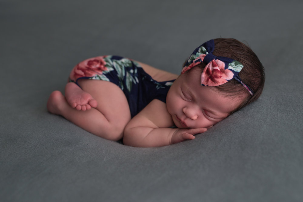 boca-raton-newborn-photographer-baby-photography-parkland-coral-springs-wellington-south-florida-lake-worth-floral-bottom-up.jpg
