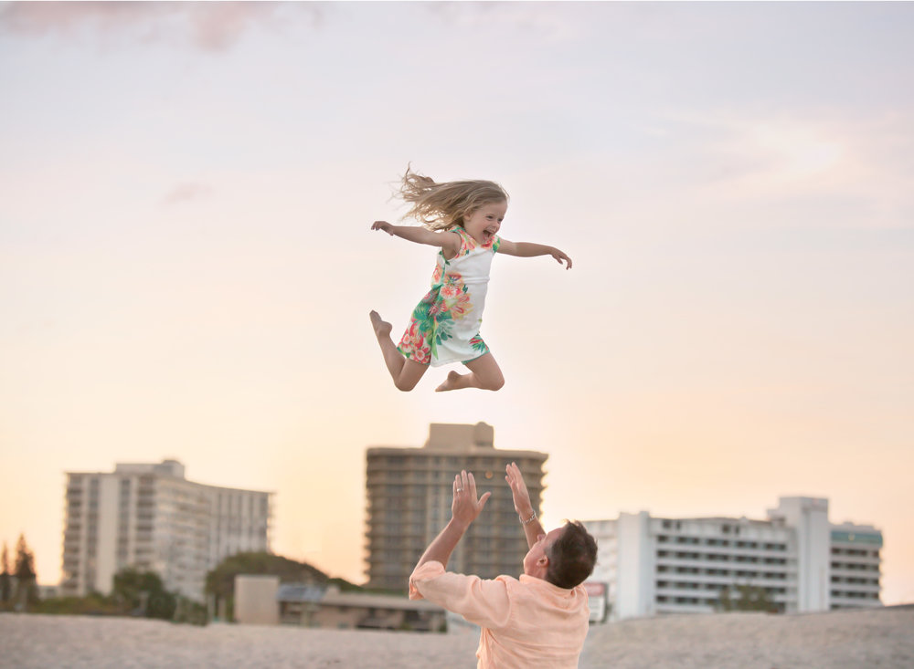 boca-raton-child-photographer-parkland-family-photographer-coral-springs-wellington-lake-worth-boynton-lantana-alissa-delucca-photography-toss-in-air.jpg