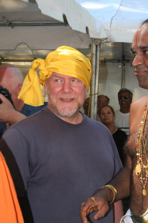 Tom Fabrizio in 2006 at the pranapatistha ceremony for the Rudi statue.