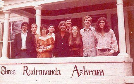 Oxford Ashram in 1972: From left: Doug, Bill Lennertz, Patricia Yinger, Larry Yinger, Dan Spencer, Al Dewitt, Laura Long, James Robinson, Bill