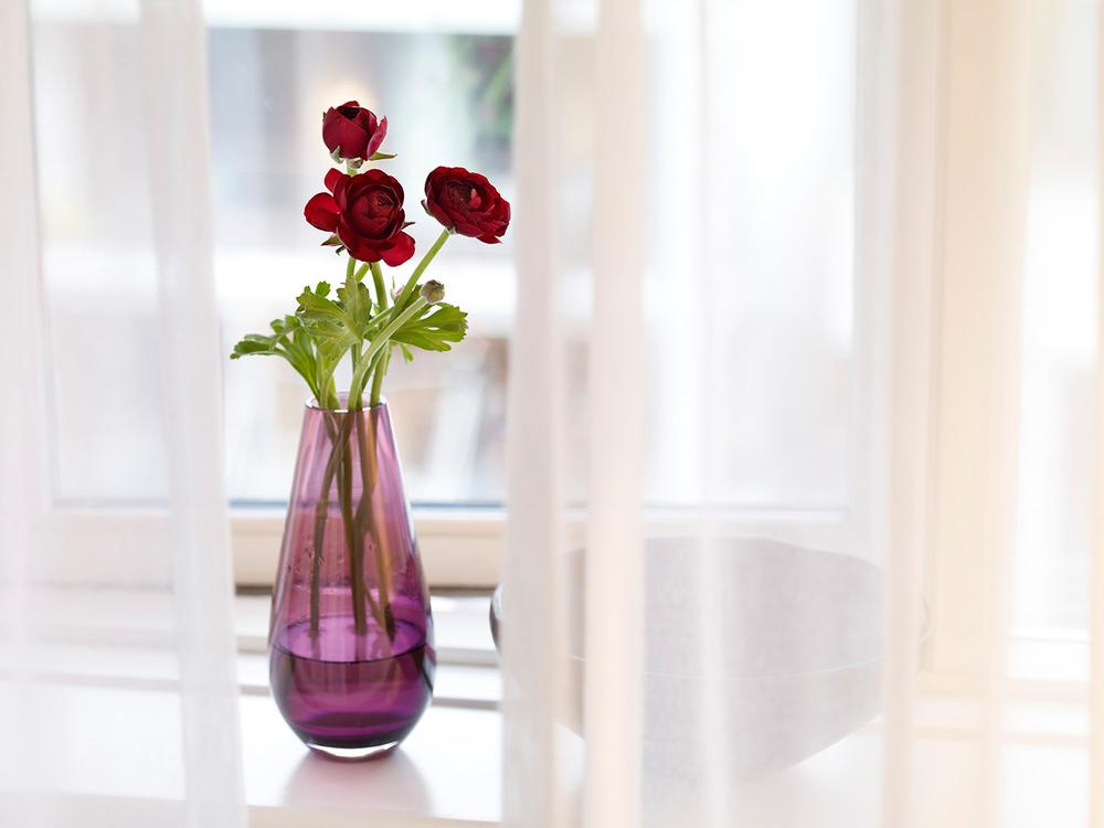 Hotel_vase.jpg