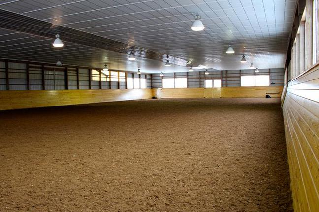 Indoor Ring - Full mirrored wall & dust free footing