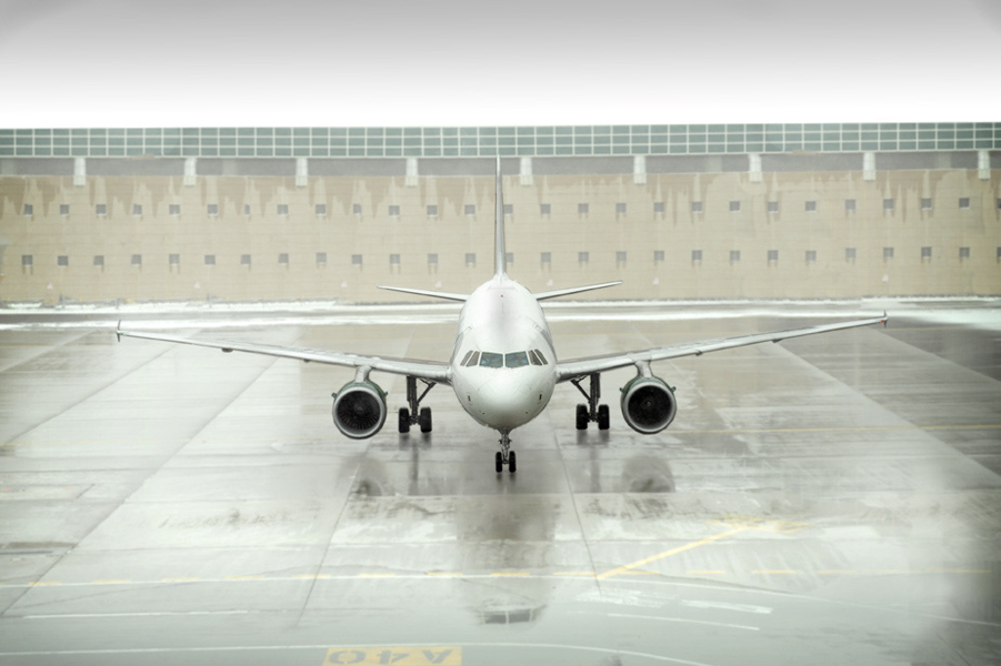 DIA airplane72.jpg