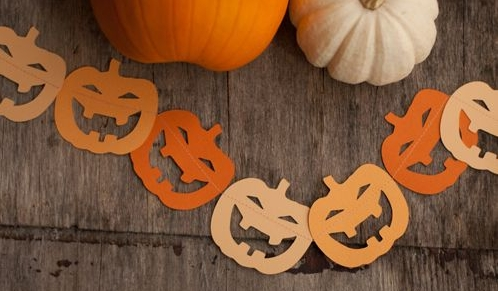Easy Pumpkin Bunting - A simple craft idea to transform your home