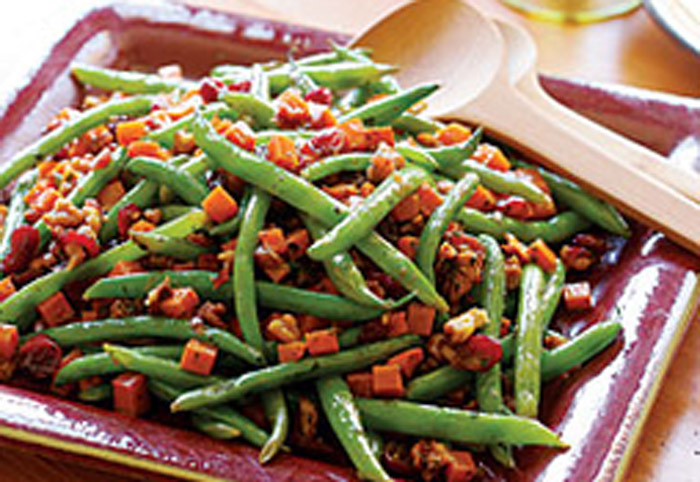 Sauteed-Green-Beans-with-Cranberries-amp-Walnuts