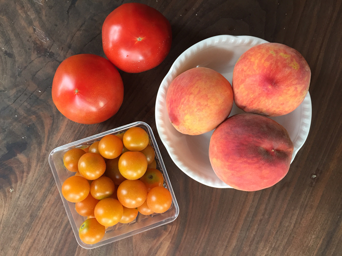 Peach Tomato Motz Salad Ingredients