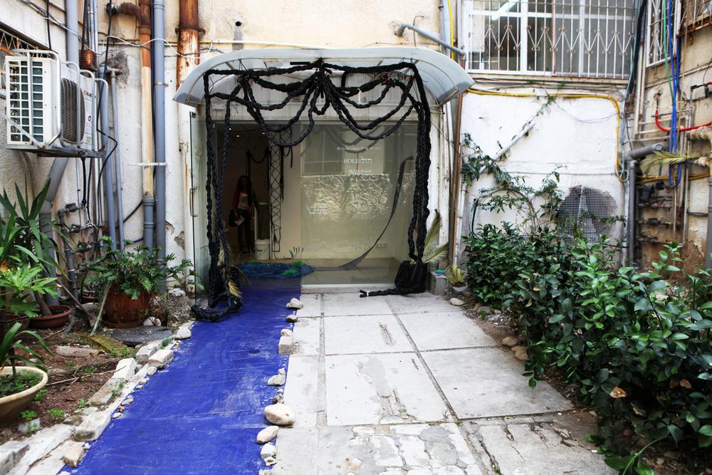 gallery-entrance1.jpg