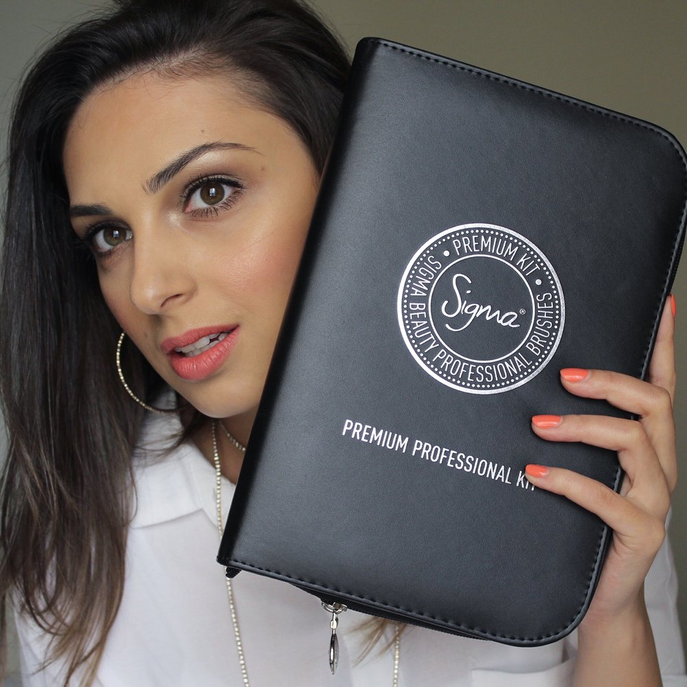 Me holding the travelling case that comes with the set; Pic is from Instagram @nadiazayat.makeup