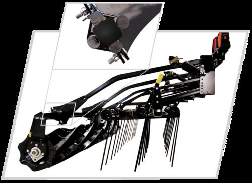 Навесное оборудование : трехрядная борона и вычесывающиекатки с резиновыми амортизаторами -   ручная регулировка