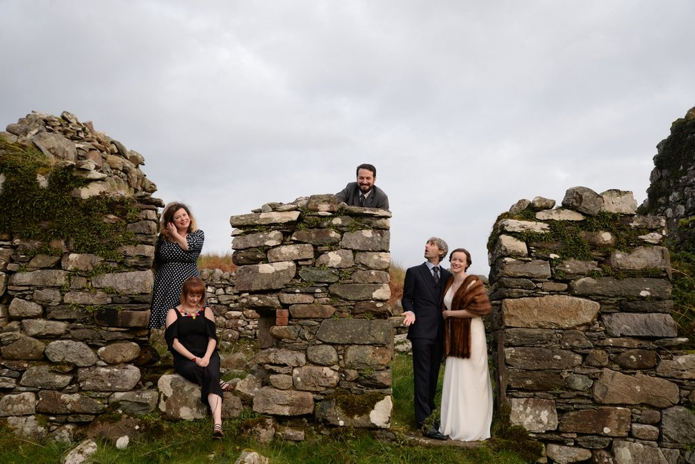 Small wedding - Kilmartin Castle