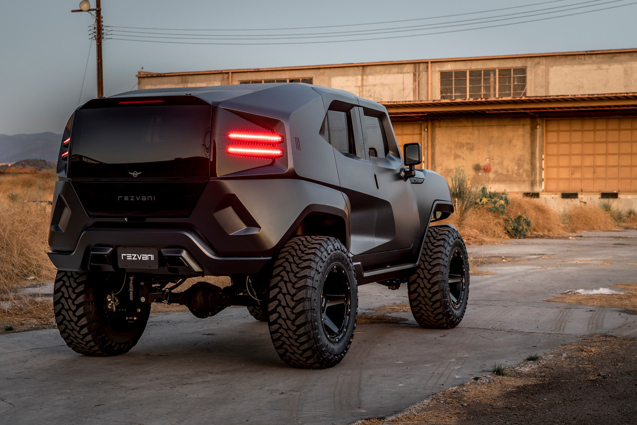 Bullet Proof Tires >> This Tactical Suv Has Bulletproof Armor Thermal Night Vision And