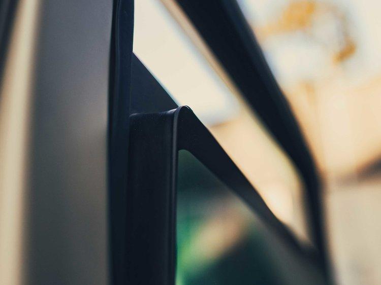 Rezvani-TANK-bullet-proof-glass.jpg