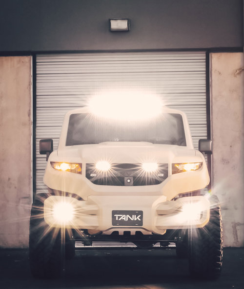 Rezvani-TANK-blinding-lights.jpg