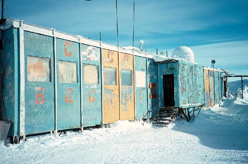 Vostok Station Shelter in poor condition