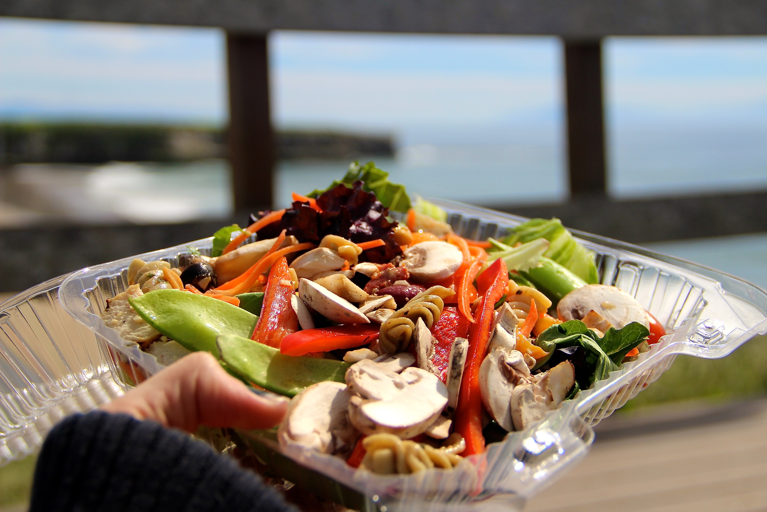 healthy salad to-go