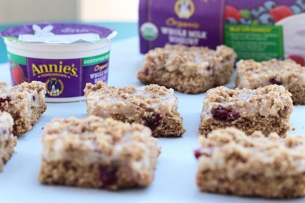 strawberry oatmeal crumble bars.jpg