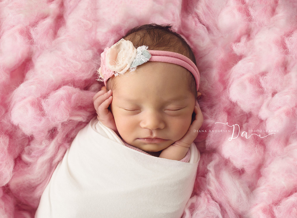Marcela-newborn5-fb.jpg