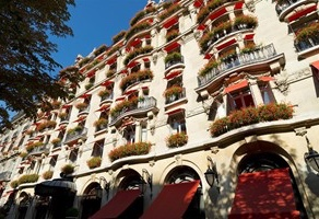 Dorchester Collection Diamond Club    Dorchester Collection extras:  Upgrade at booking Free daily full breakfast for two $100 off final bill for room charge Free internet access No walk policy in sold out situations