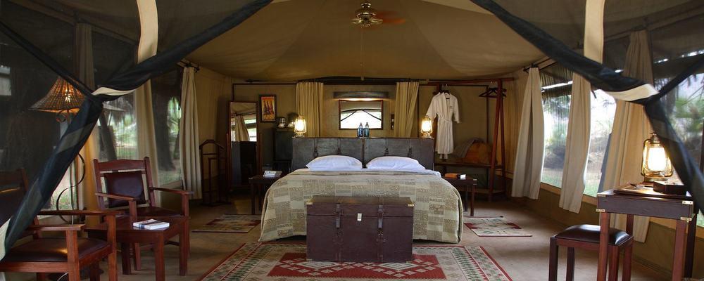 larsens-tented-camp-bedroom-1900.jpg