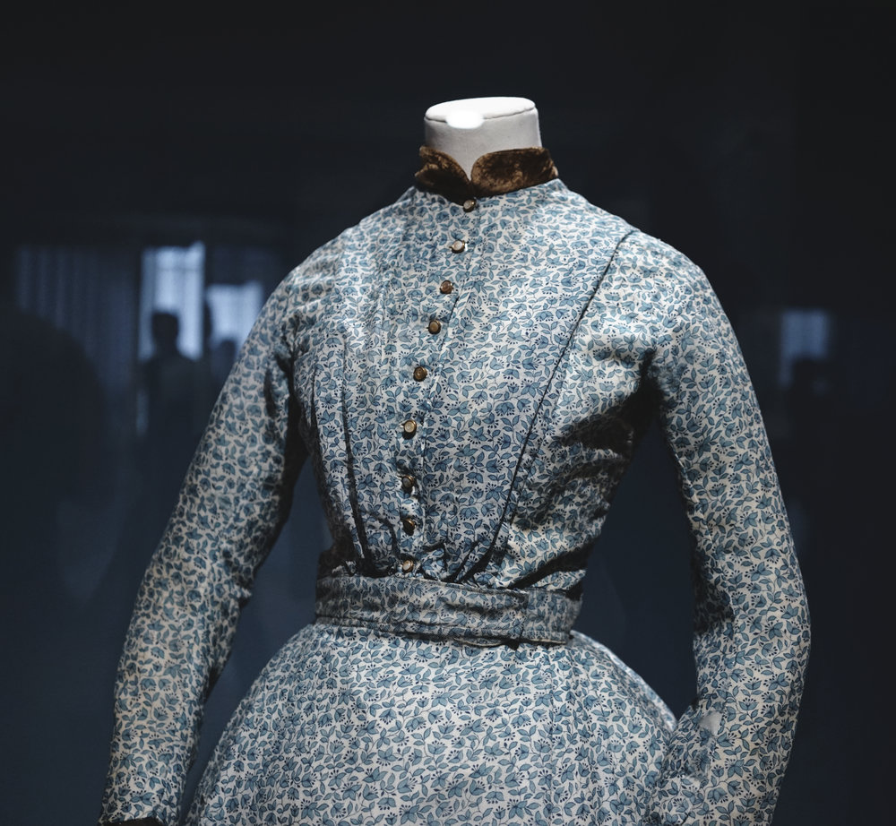 Brontë was about 4 feet 9 inches tall with an 18 1/2-inch waist (when corseted). She acquired this day dress around 1850, when she was in her mid-thirties, and likely wore it in London that June when she spent a morning conversing with fellow novelist William Makepeace Thackeray.