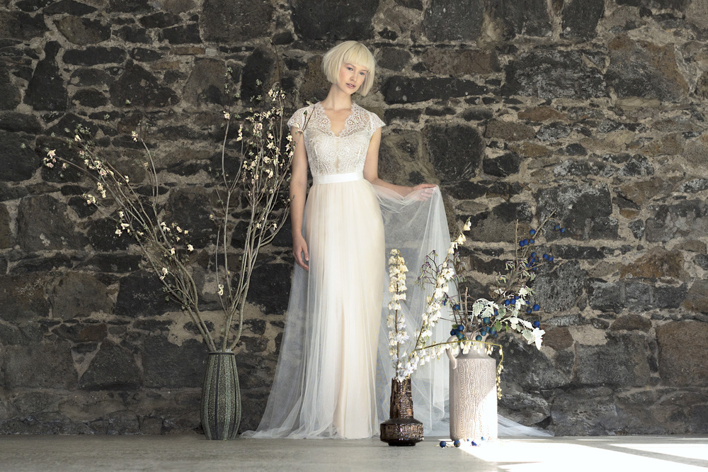 <p><strong>Gwendolynne</strong>White Tianna Wedding Dress</p>