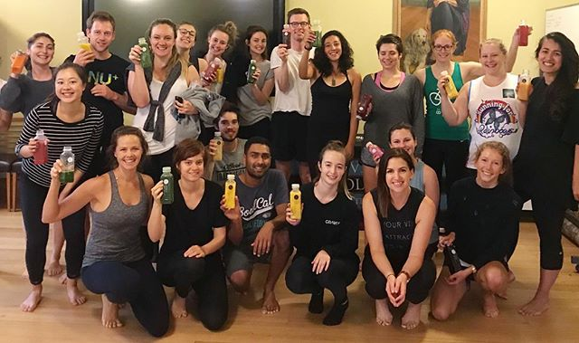 What a crew! Cheers to the @teachforaustralia squad for hanging out with us this morning and as always big love to @pressedjuices for the juicy goodness ✨The teachers of the future making time for some yoga and wellbeing amongst their hectic timetable 🙌🏼 #wellbeing #mindfulness #yoga #meditation