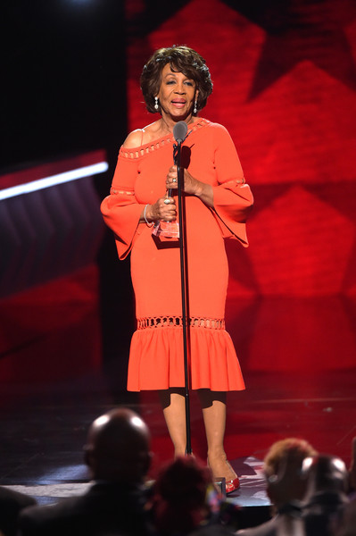 Maxine Waters didn't hold back when she accept her award. Giving us shade and all. (Source: Google)