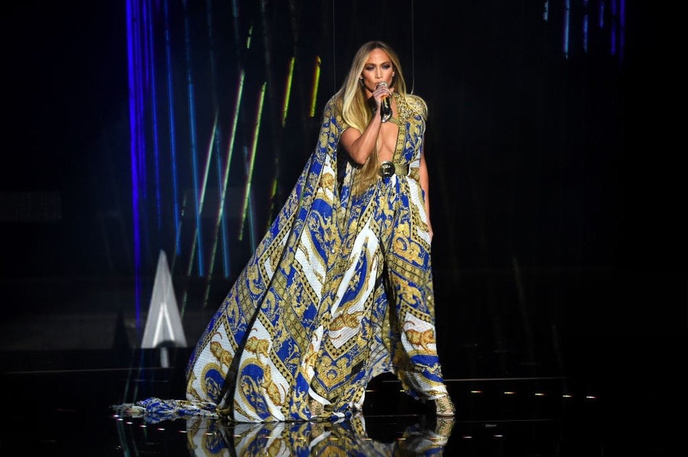 Jennifer Lopez performing in a Versace dress during her Video Vanguard performance. (Source: Twitter)