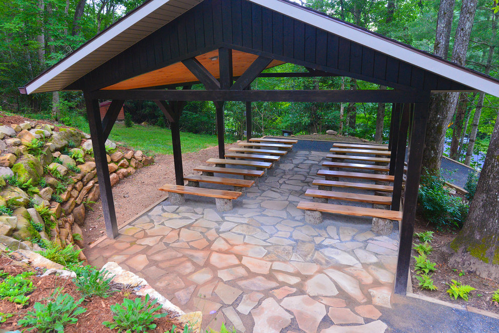 A WEDDINGCHAPEL IN THEMOUNTAINS - This outdoor wedding chapel is located on the grounds of the Nantahala Wedding & Events venue just footsteps away from the reception area.