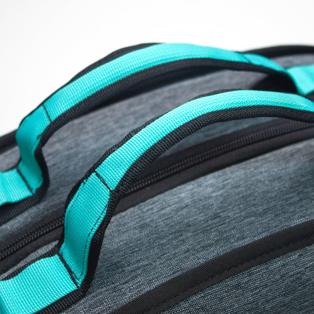 - PADDED HANDLESFor comfortable carry anywhere you go.
