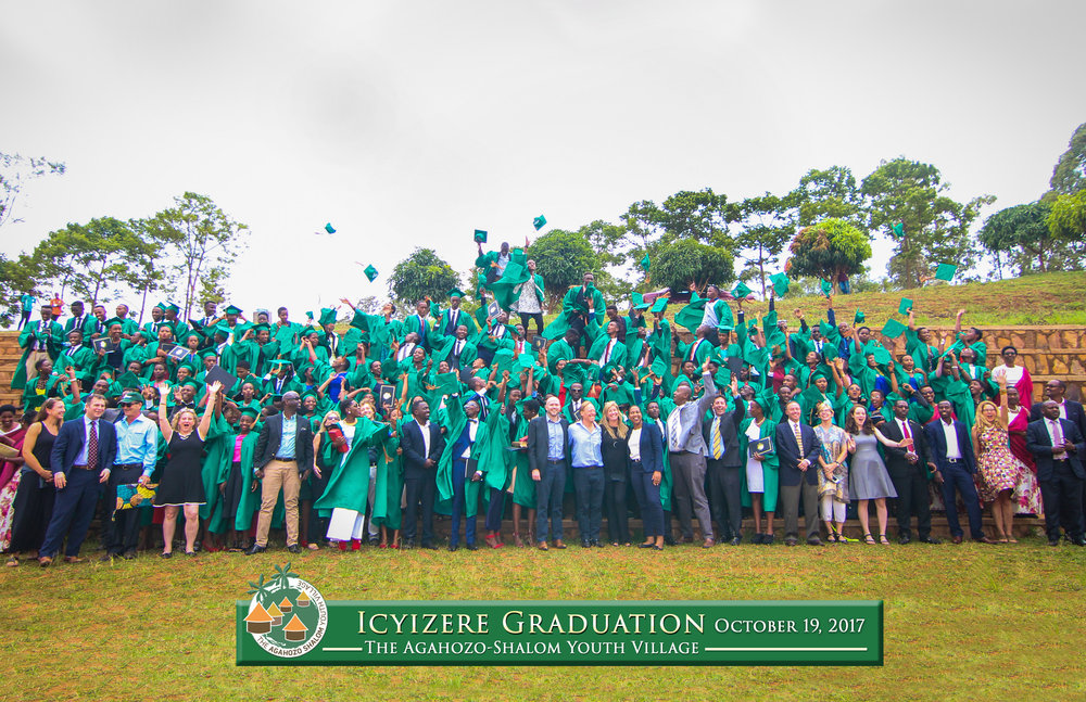 icyizeregraduation group.jpg