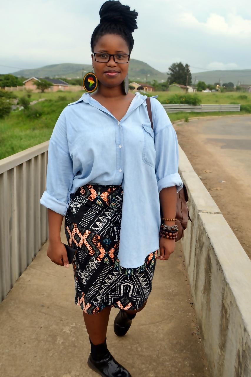 blackfashion :     Zama, 20 , South Africa ,    www.zamazet.tumblr.com      I love her face. and her skirt.