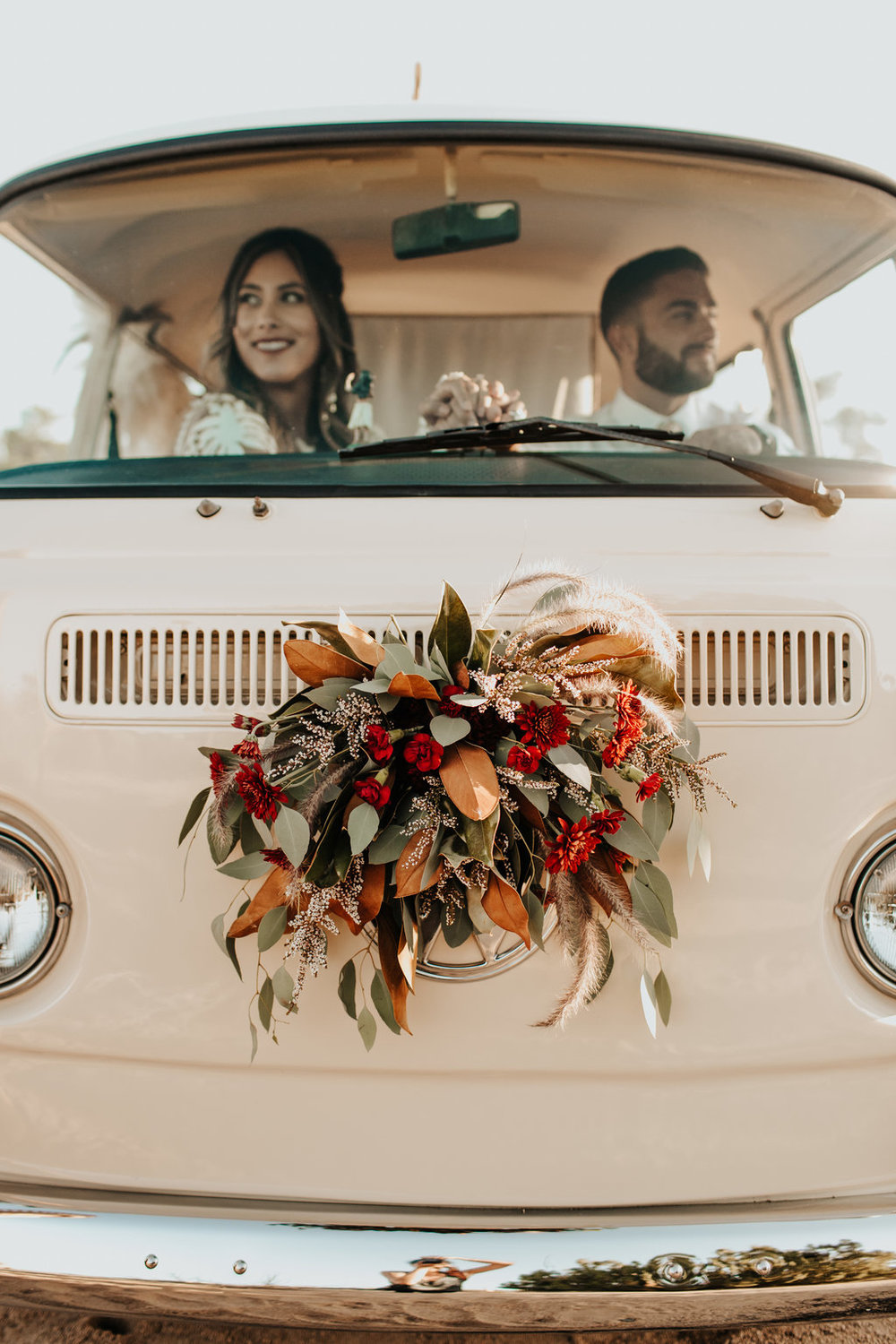 vw- bus- wedding-Romantics-106.jpg